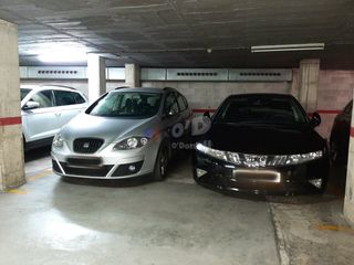 Parking coche  Zona centro. Plaza doble en zona centro
