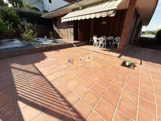 Rent House  Zona marianao. Casa a 4 vientos independiente